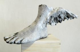 SENSI ARTE, Ermes: Equilibrio, Il primo passo, ceramica  raku, cm 40 x 38 x 42