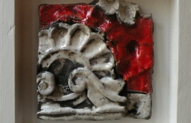 SENSI ARTE, Memorabilia: architettura 2, ceramica raku, cm 20 x 20 x 5
