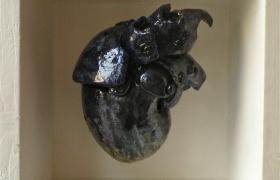 SENSI ARTE_Memorabilia_cuore blu, ceramica raku, cm 20 x 20 x 12-raku-b