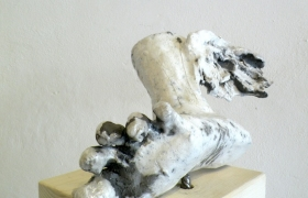 SENSI ARTE_Ermes_L'inciampo, ceramica raku, 40x30x30