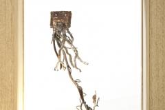 SENSI ARTE_Anche le cose hanno le radici comò, bronzo e legno, cm 26 x 29