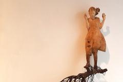 SENSI ARTE, Volare con le radici, legno intagliato, cm 120 x 90 x 25