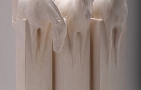 SENSI ARTE_White Horse Trio, semirefrattario, cm 46 x 28 x 8_LYLS_53